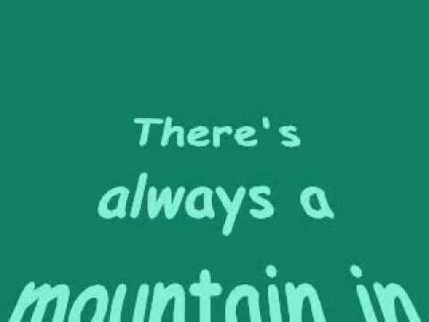 Trace Adkins - I'm Tryin' Lyrics