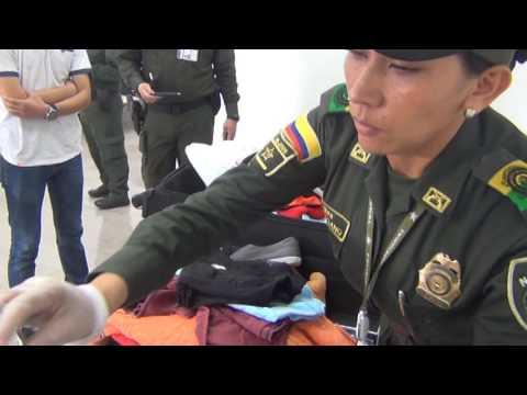 VIDEO Mexicanos capturados con cocaína en sus equipajes en aeropuerto de Cartagena