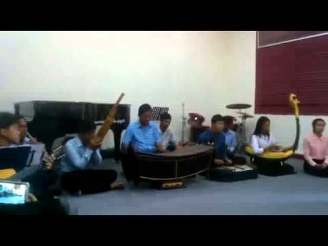 Khmer Traditional Music (Lao Chaom Chan)