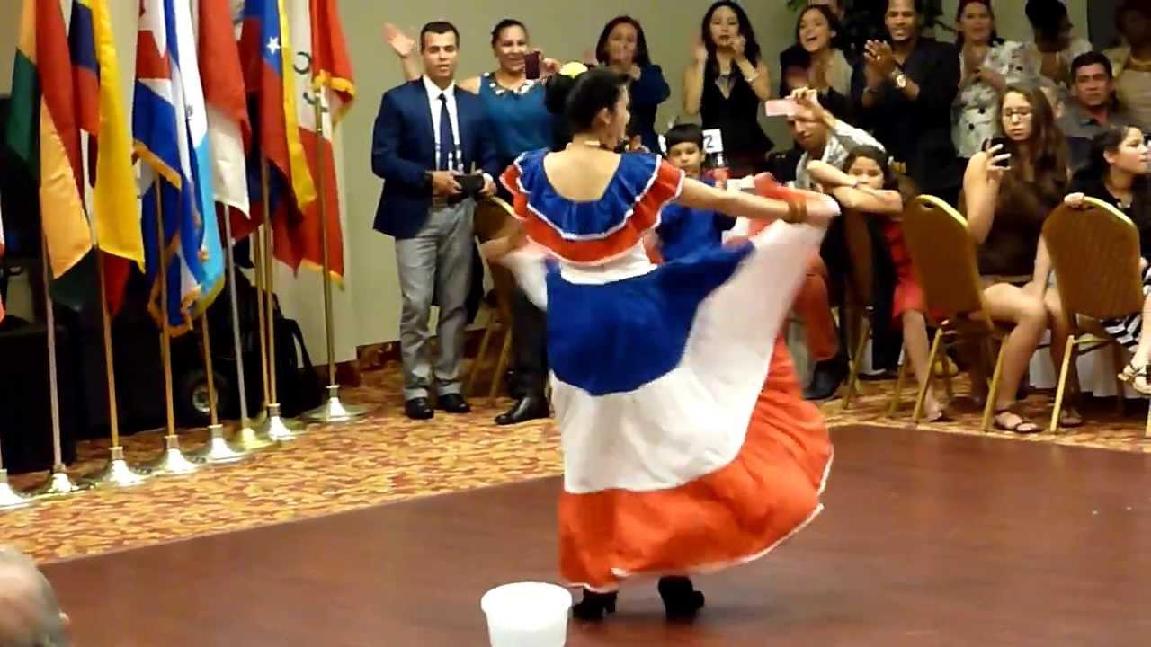 Traje Típico Rep Dominicana Coronación Reina Del Comité Del Desfile