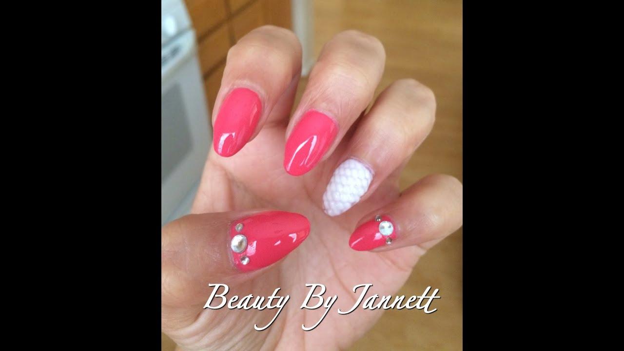 square nails almond