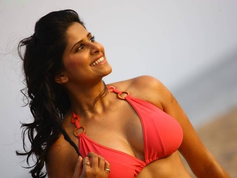 Hot Marathi Queen Sai Tamhankar On - Filmfare Marathi Award 2016 Inaugaration