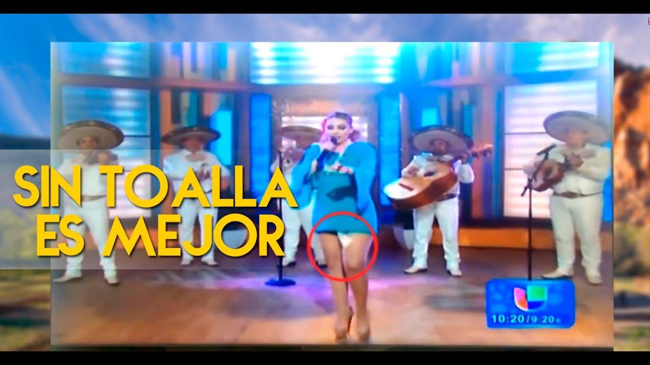 Patricia Navidad se le cae la Toalla femenina | LOS MEJORES MEMES ...