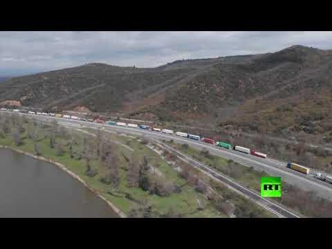 لقطات جوية لمئات الشاحنات العالقة على حدود أوروبا  - نشر قبل 1 ساعة