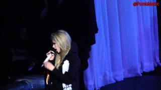 Gambar cover Avril Lavigne - Keep Holding On - Live São Paulo Brasil 28-07-2011 HD by @PunkMatic