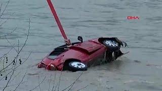 شاهد: رجل نزل النهر لإنقاذ فتاة من الغرق فكاد يفقد حياته…