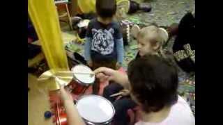 Уроки игры на барабанах для детей