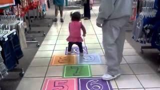 Hop skoch. At del amo mall