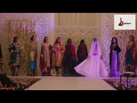 cf603ab60  عرض ازياء ليلة عمانية - كوهينور - فريق روافد عمان - YouTube