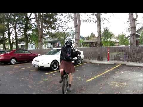 Darth Vader mit Dudelsack auf dem Einrad