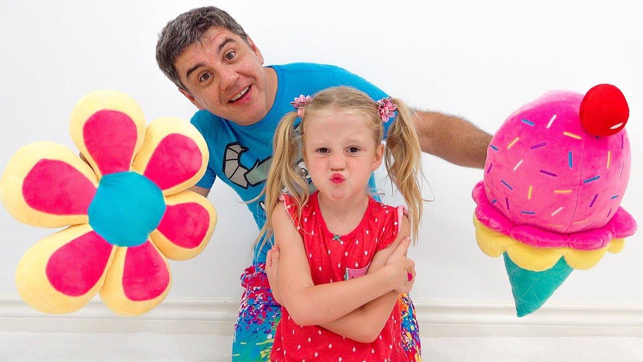 Настя и история для детей про неудобные подушки