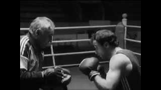 Документальный фильм о боксе.