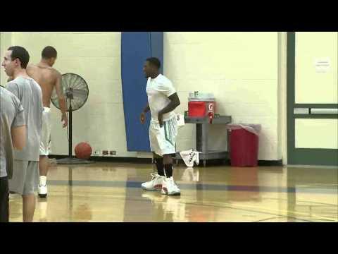Shaq spanks Nate Robinson and makes him squeal