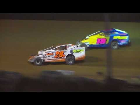 Dog Hollow Speedway - 10/21/17 Big Block/Small Block Modified Feature Race