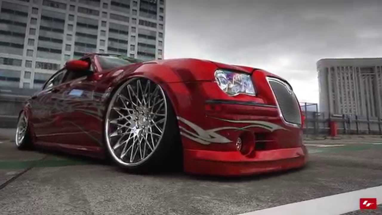 Modified Chrysler 300c On 24 Quot Lexani Wheels Youtube