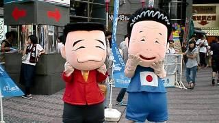 大阪NGKまえで吉本芸人の間寛平・池乃めだかの着ぐるみを見ました.