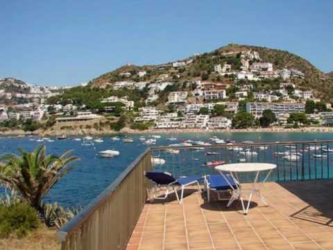 Roses location rosas villa rosas villa costa brava for Location garage rosas espagne