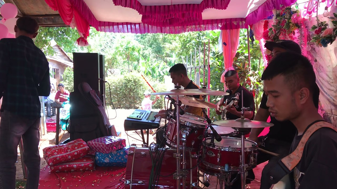 Chàng trai cover bài - cô độc vương , cực chất - band thaly ( sdt 0396609763)