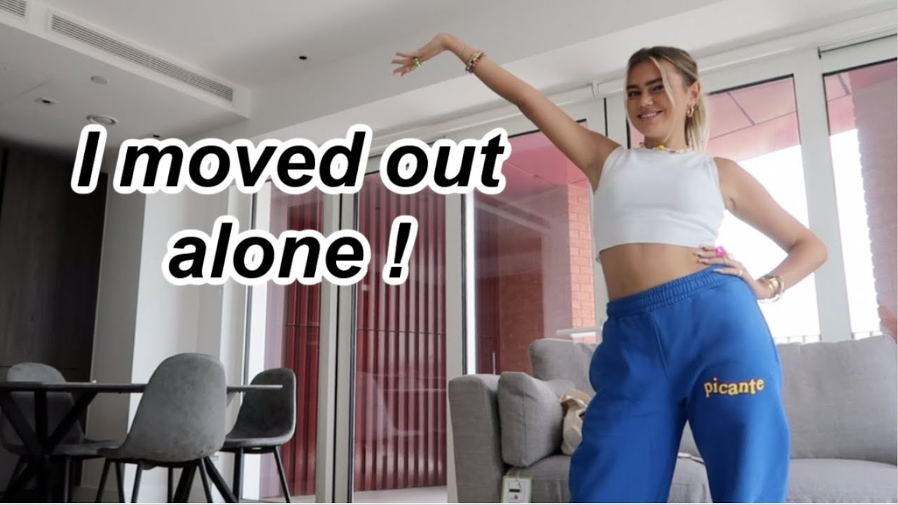Moving in to my new apartment + a tour