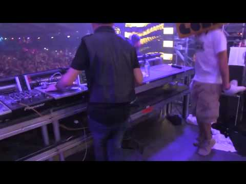 ATrak drops Heads Will Roll Kid Kamillion Edit @ Hard Summer 2012