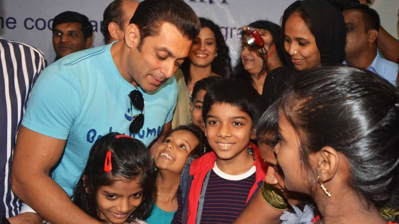 Salman Khan DONATES 90% Of His INCOME TO CHARITY - YouTube