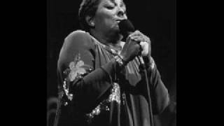 CARMEN MCRAE - JUST A LITTLE LOVIN