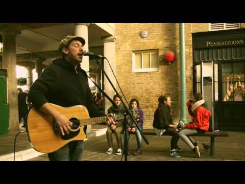 It Ain't Easy - Rob sings in Covent Garden