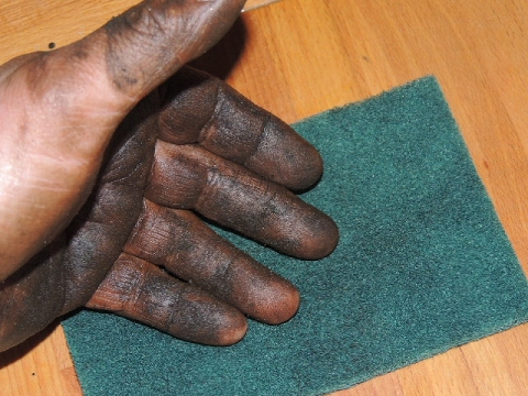 A Safe Way To Clean Greasy Hands if You Have Dermatitis