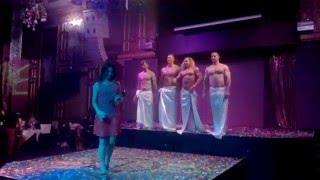 Фрагмент Тарзан-шоу.