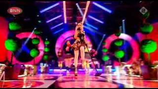 Gwen Stefani -What You Waiting For live (BNN top of the Pops)