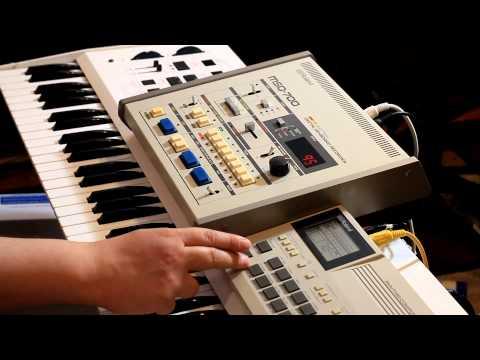 Roland MSQ-700, Bit 99 and TR-505