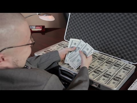 how to hold and count money