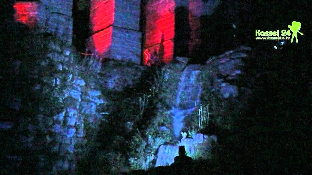 Wasserkaskaden Kassel beleuchtete wasserspiele im bergpark