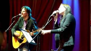 "Thea Gilmore - ""I Pity The Poor Immigrant"" - Glastonbury Festival, 26th June 2011"