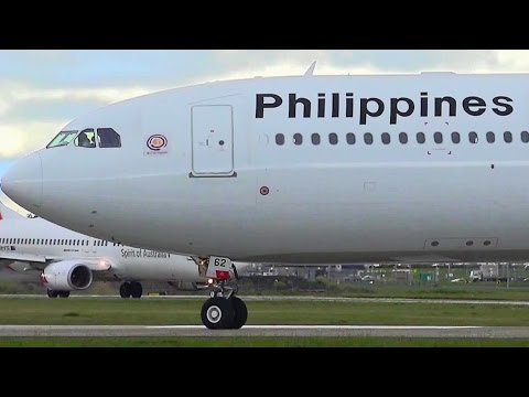 CLOSE-UP Planespotting ● Philippine Airlines Airbus A330-343 Takeoff - Melbourne Airport