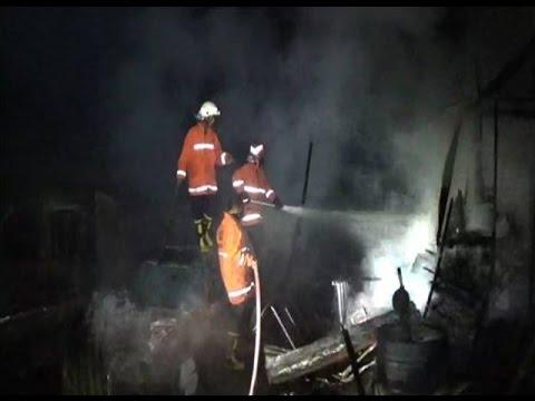 Komplek Sekolah di Bukittinggi Terbakar, 4 Mobil Hangus
