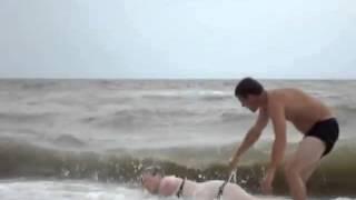 Море, пляж и пьяная русалка
