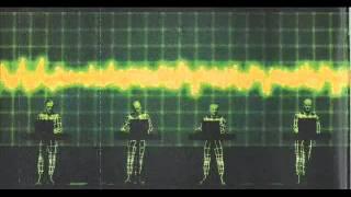 Kraftwerk -- Trans Europa Express/Abzug/Metall Auf Metall ( Live