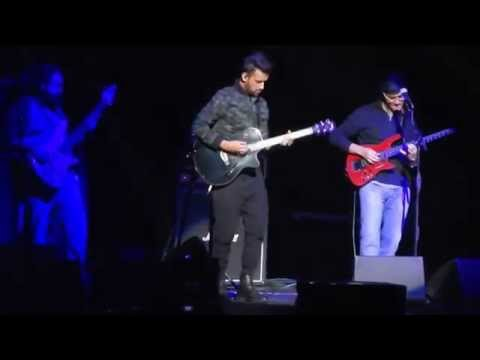 Jal Pari - Atif Aslam Live in Chicago