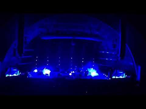 Linkin Park - Iridescent live Hollywood 2017
