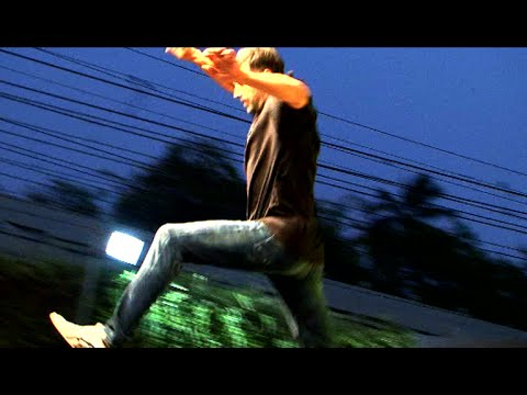 Akshay Kumar's dangerous stunt live at Public in mumbai