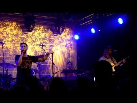 Maroon 5 - She Will Be Loved - QMusic Showcase - 17 november 2010