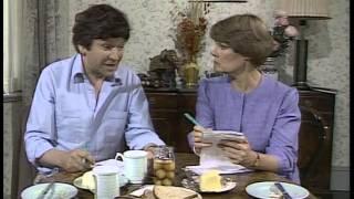 A Fine Romance 1981 S04E03 Mike