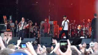 Rage Against The Machine - Testify (Intro By Simon Cowell) Finsbury Park London 2010