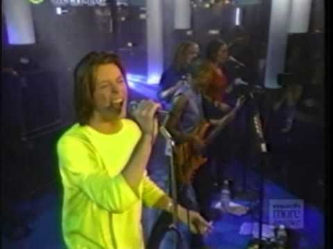 David Bowie - The Pretty Things Are Going To Hell / Cracked Actor (Musique Plus, 1999)