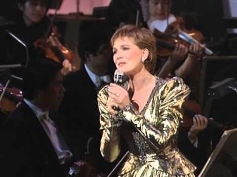 Julie Andrews - George Gershwin Medley - 2/17/1995 - unknown (Official)
