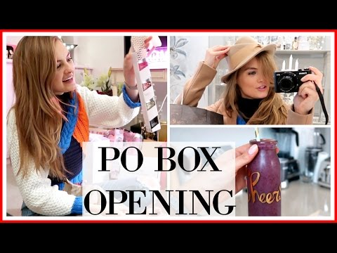 OPENING MY CHRISTMAS PO BOX | VLOGMAS #15
