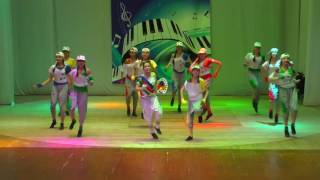 видео Фестиваль талантов, здоровья и творчества «Мир.Труд.Май.» прошел 1 мая в Барнауле
