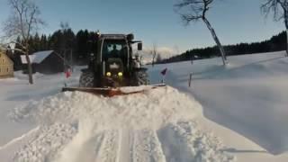 FENDT 820 Vario SnowPlowing
