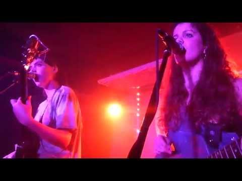 Hinds - Davey Crockett - Live Paris 2015